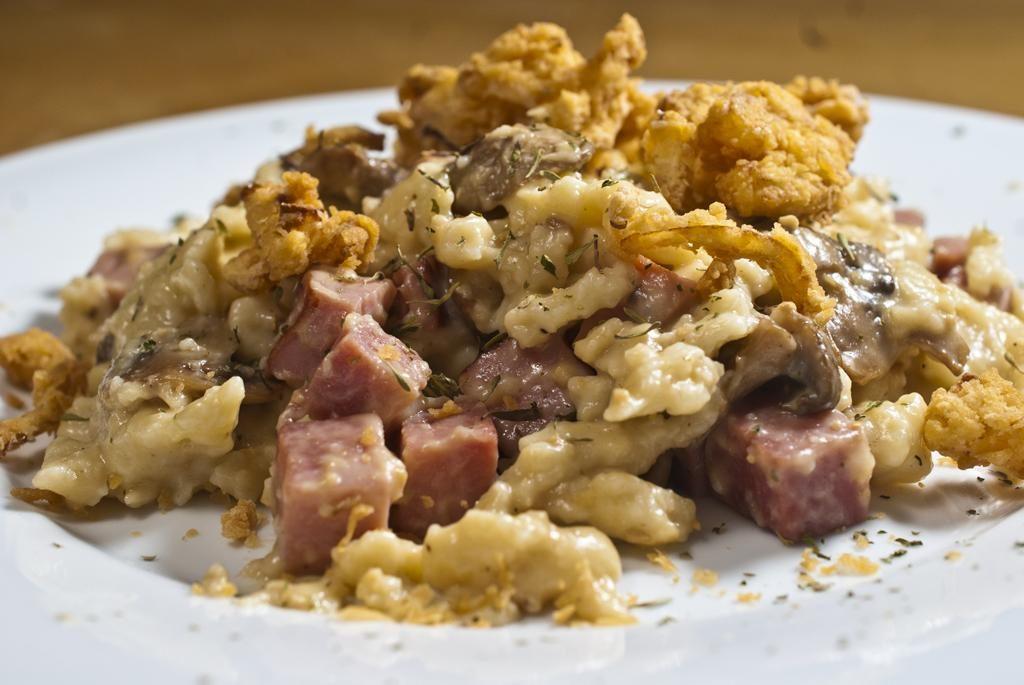 Kasespatzle with Ham, Sriracha braised mushrooms and crispy deep fried onions