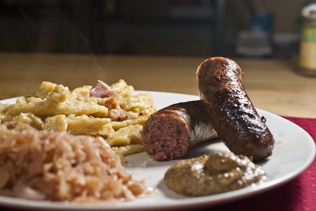 Zie Germans are coming! (To Dinner): Bratwurst, sauerkraut and kasespatzle