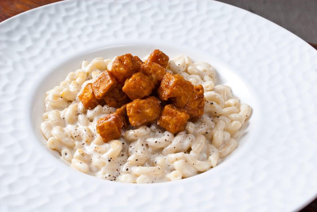 Macaroni and Oka cheese with deep fried tofu